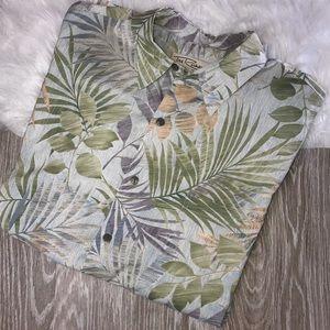 Tori Richard Size Large Green Leaves Lawn Shirt